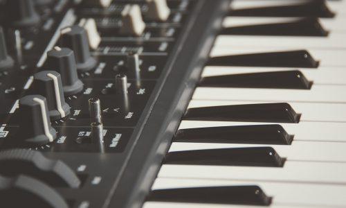 electronic-keyboard-1