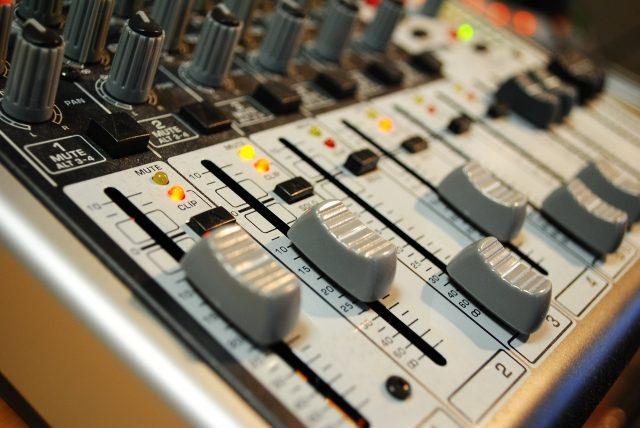 sound-mixer-2