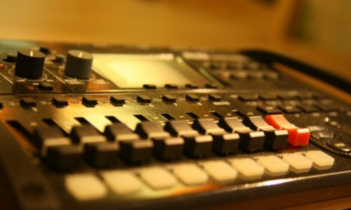 sound-mixer-3
